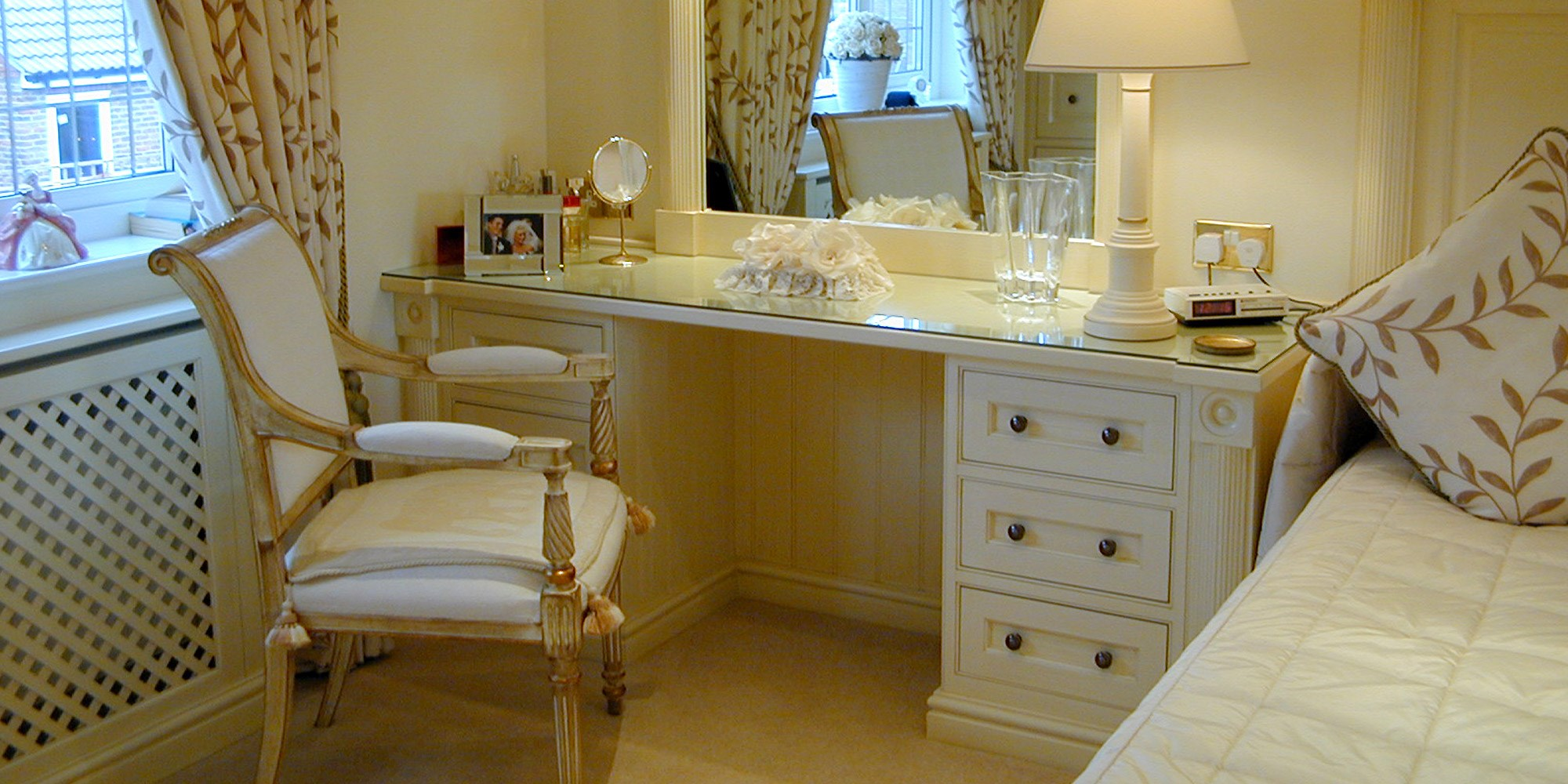 Loxley-handPainted-dressing-table